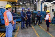 Alma Mireya González visitó el ingenio azucarero del municipio de Tocumbo y se reunió con los empleados para platicarle sus propuestas