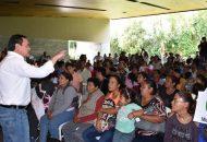 """""""En Toño Ixtláhuac podemos ver a un joven con vasta experiencia, que a su edad ya ha ocupado puestos en la Cámara de Diputados Federal y Local, además de haber sido presidente municipal de Zitácuaro"""": Osorio Chong"""