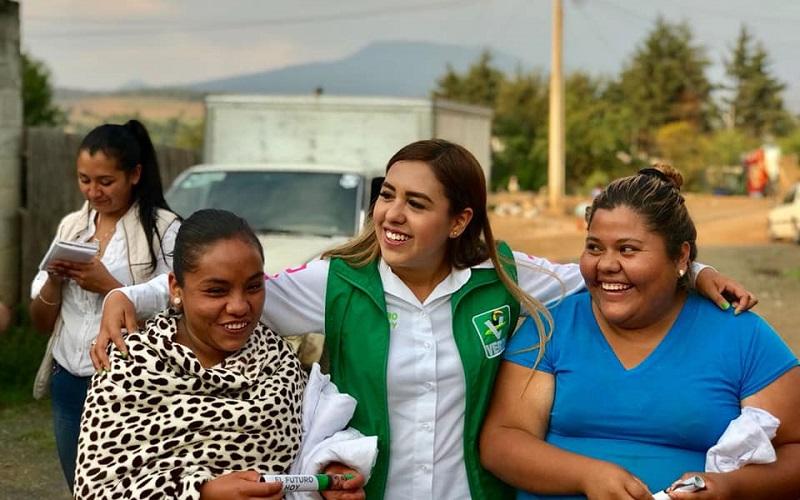 Dayana Pérez señaló que como diputada local, contará con la atribución de vigilar de manera honesta el dinero que se destine para todos los temas en los cuales la región está urgida de atención