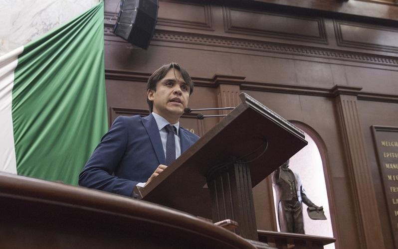 Rendón López, explicó que es un derecho fundamental de la dignidad humana, contar con ingresos suficientes para satisfacer necesidades básicas