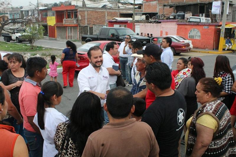 """Vallejo Mora indicó que cada uno de los compromisos que adquiera con ellos los cumplirá una vez que llegue al Congreso del Estado, """"desde ahí gestionaremos y haremos valer su voz, yo soy un candidato y seré un diputado cercano a la gente"""""""