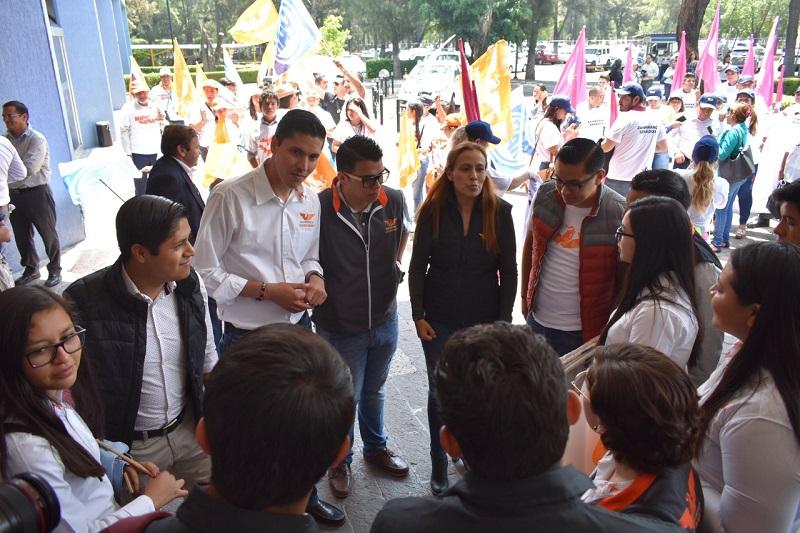 """""""También Michoacán encabeza la lista de los que más credencialización en el exterior para poder votar desde el extranjero"""", enfatizó Pilar Lozano"""