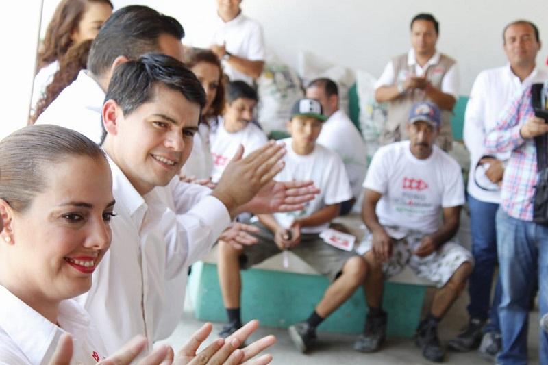 """""""Las empresas pagan muchos impuestos, lo que hace que no se den tantos empleos o que los empresarios no cuentan con el incentivo de generarlos, se pagan más de 30 impuestos en México, por lo cual se va más del 50 por ciento de los ingresos"""": Toño Ixtláhuac"""