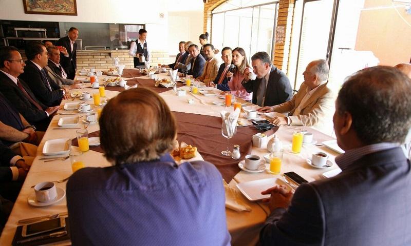 Daniela de los Santos reiteró que sus peticiones vienen incluidas en sus ejes de campaña, como lo es la urgencia de agilizar y digitalizar trámites de la administración municipal