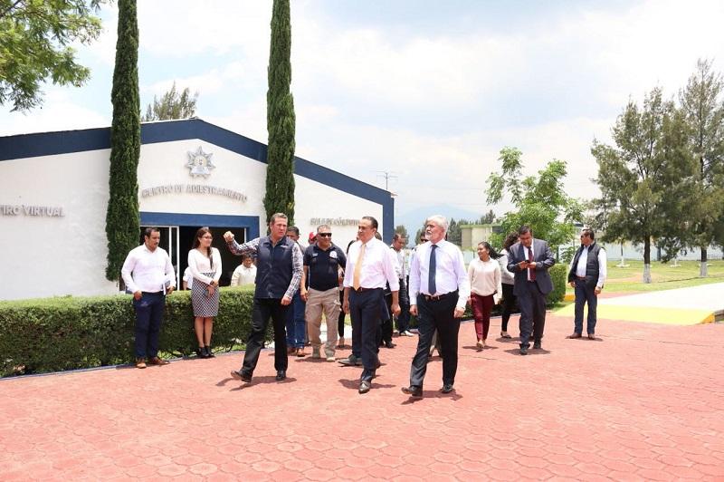 El secretario de Gobierno manifestó que es un compromiso permanente del gobernador, Silvano Aureoles Conejo, el mejorar las condiciones de los policías