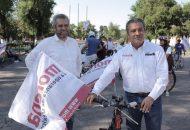 El candidato de Morena-PT a la Presidencia Municipal de Morelia, visitó junto Alfredo Ramírez Bedolla algunas de las 50 mesas instaladas en varios puntos de su distrito, y constató que de forma natural los ciudadanos participan en este tipo de ejercicios