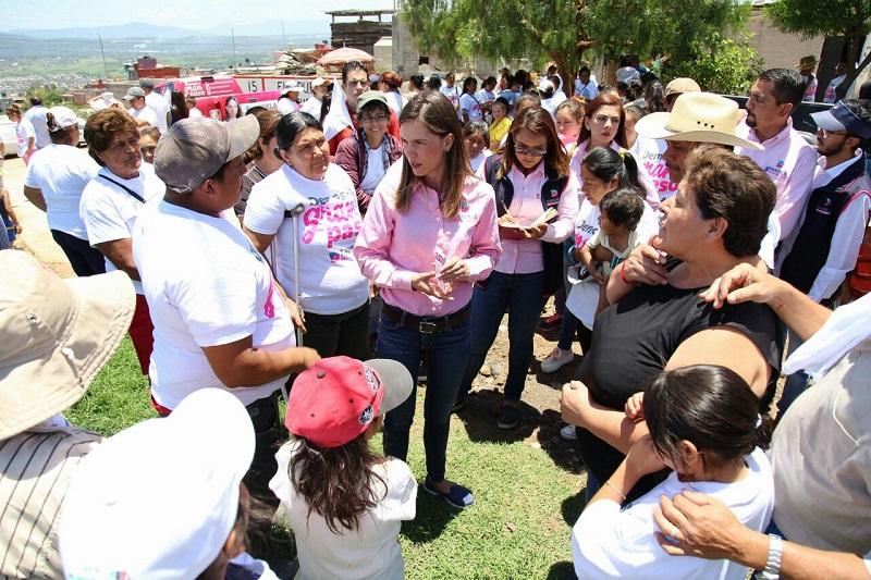 Ante la presencia de la delegada nacional del CEN del PRI en Morelia, Arely Madrid, Daniela de los Santos precisó que en este municipio las acciones en obra han sido ocurrencias que han dañado y descuidado a la mayoría de los morelianos
