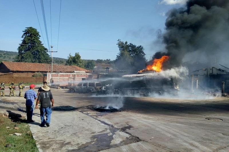 En cuestión de minutos se trasladaron unidades de Bomberos Morelia, Protección Civil Estatal, Protección Civil Lagunillas, Huiramba, Pátzcuaro, Quiroga, Tzintzuntzan, ABEM, Cruz Roja así como Policía Michoacán y Tránsito y Vialidad