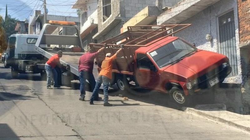 Vecinos que se percataron del incidente solicitaron apoyo a la línea de emergencias, arribando elementos de la Policía Michoacán así como paramédicos los cuales les brindaron las primeras atenciones