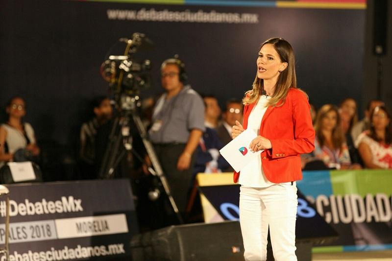 Daniela de los Santos ofreció mantener siempre pública su declaración 3 de 3, siendo la única candidata a la Presidencia Municipal que hasta el momento ha cumplido con esa exigencia ciudadana