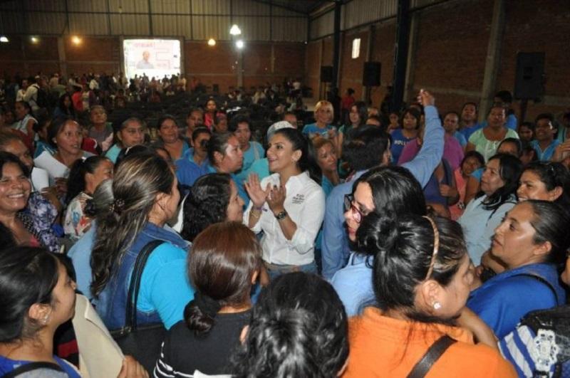 Karla Ruiz se reunió, en asamblea vecinal, con colonos de Lomas de Hidalgo y Lomas de Guayangareo
