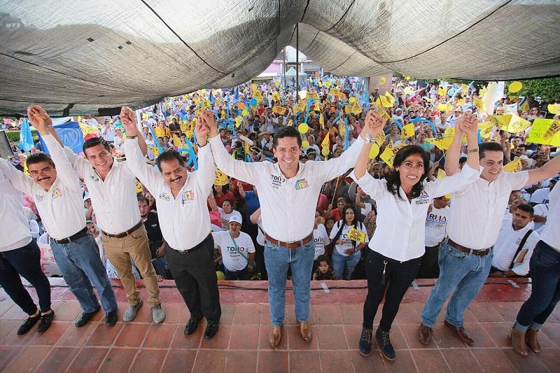 """""""Vamos a romper el control político y vamos a seguir promoviendo la igualdad, como lo hicimos con las mujeres, a las que hoy se les toma en cuenta"""", expuso Antonio García Conejo"""