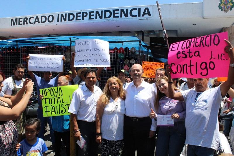 Seguridad y reordenamiento del ambulantaje, demandas de locatarios del Mercado Independencia ante Fausto Vallejo Figueroa