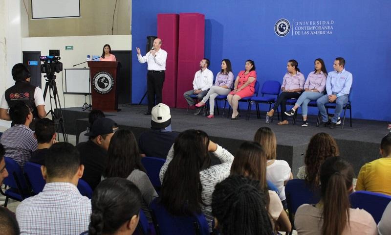 Ante cerca de 300 jóvenes, el cuatro veces alcalde de Morelia aseguró que es de suma importancia escuchar su voz, es por ello que su planilla está conformada en su mayoría por representantes de este sector