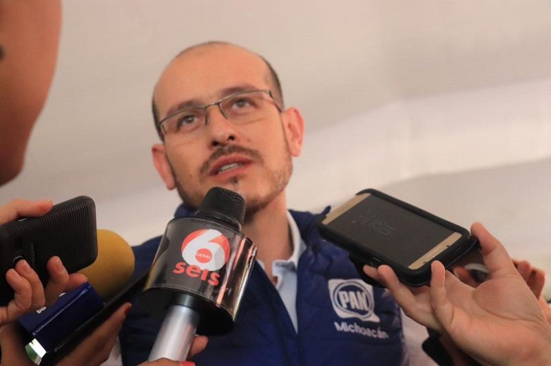 José Manuel Hinojosa refrendó el compromiso del PAN de apoyar en todo momento a los familiares de Alejandro Chávez, asimismo, pidió a las autoridades de seguridad, dar con los responsables para que rindan cuentas ante la justicia