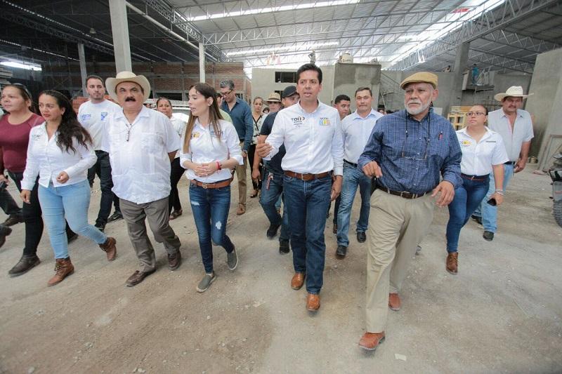 Toño García manifestó que por un Michoacán estable buscará la alianza con la Iniciativa Privada para la creación de un programa que refuerce a las fuerzas de seguridad con equipamiento junto con estímulos en sus prestaciones para dignificar su trabajo