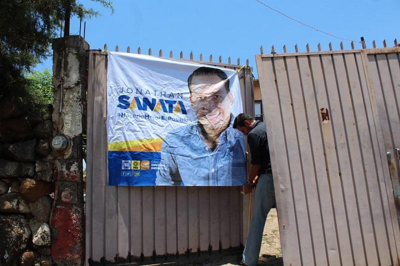 Reprueba Jonathan Sanata retiro de su propaganda por candidato opositor