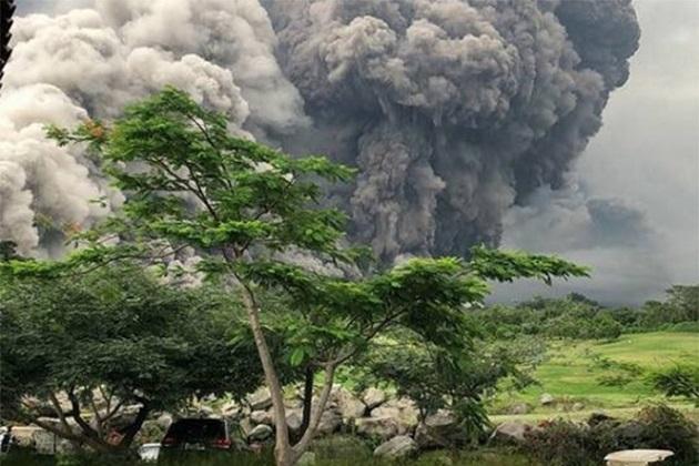 La actividad volcánica ha provocado la evacuación de alrededor de 3 mil 100 personas y ha dejado más de 1.7 millones de afectados