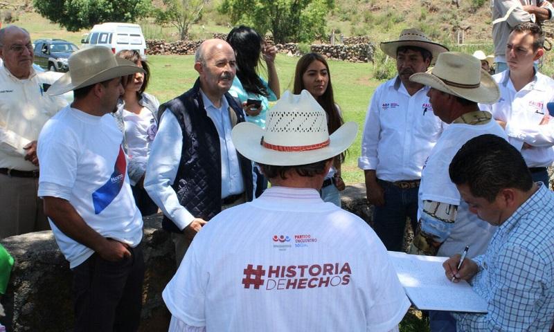 Vallejo Figueroa hizo un llamado a los pobladores y autoridades auxiliares a reflexionar su voto con base en las experiencias que han tenido con los diferentes candidatos y los resultados que les han dado