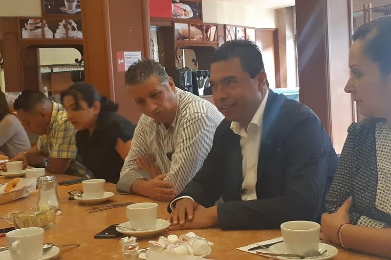 Para Olivio López, la gente confía en aquellos que ya tuvieron la oportunidad de ocupar cargos y regresaron (FOTO: SEBASTIÁN CASIMIRO)