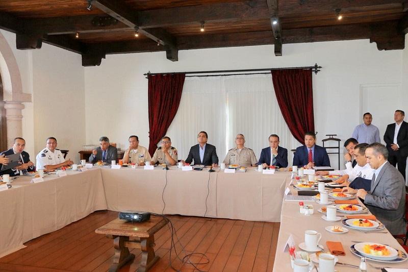 Encabeza el gobernador Silvano Aureoles la sesión semanal del Grupo de Coordinación Michoacán