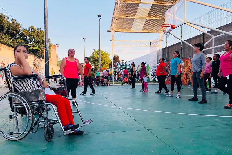 """""""FeelingDance es un ejercicio muy completo recomendado para todas las edades"""", subrayó Manuel Parra."""