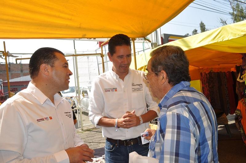 Iván Pérez Negrón y Misael López Díaz, candidato suplente, también hicieron un llamado a que todos los candidatos se manejen en una línea de respeto y se dejen de guerritas sucias, de quitar la propaganda en los hogares