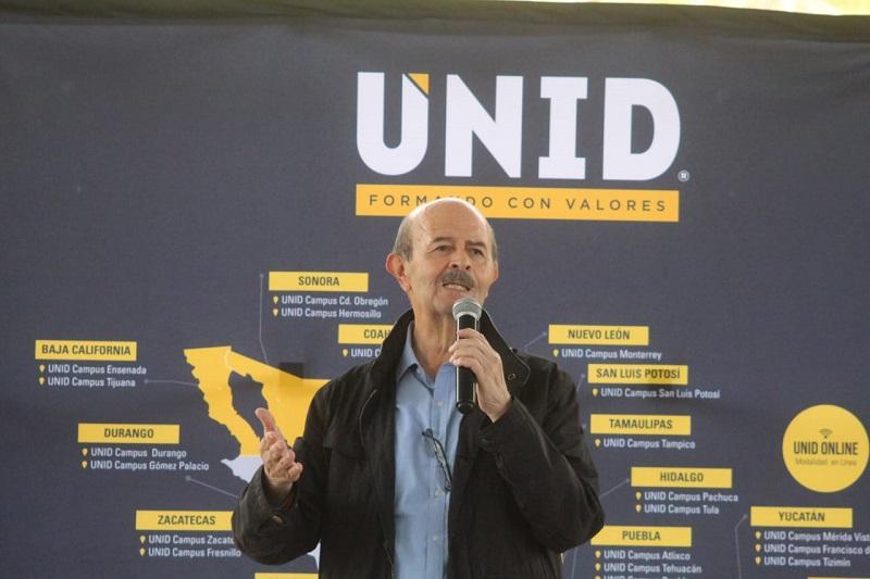 Vallejo Figueroa resaltó que al igual que la generación de empleo, la iluminación de las calles es fundamental para mejorar la seguridad