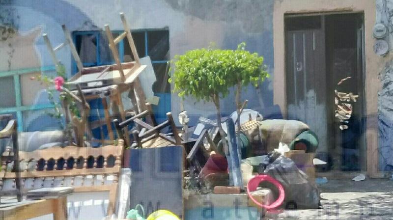 Al lugar se trasladaron elementos de la Policía Michoacán los cuales confirmaron la información, unos minutos después arribó personal de Bomberos Morelia