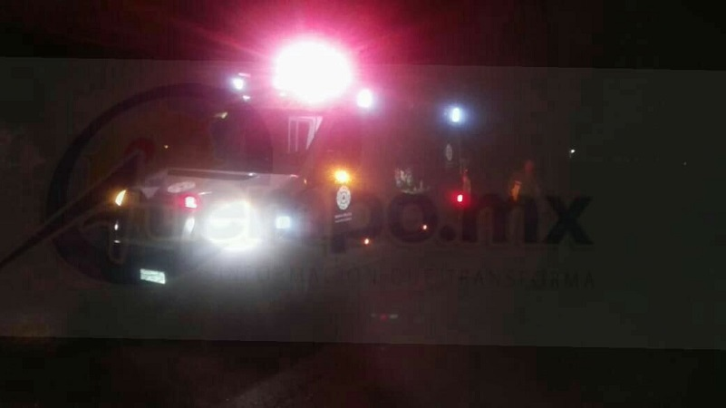 Al lugar acudieron paramédicos de Protección Civil Maravatío, personal de la autopista y Policía Federal quienes localizaron el cuerpo de un hombre completamente destrozado ya que varios vehículos le pasaron por encima