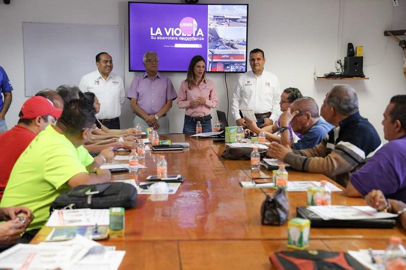Comprometen responsables de sucursales La Violeta, apoyo a Daniela de los Santos