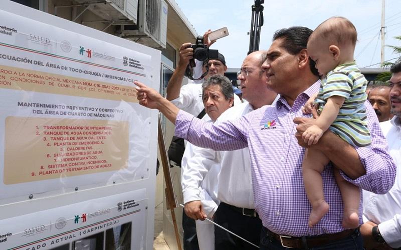 El gobernador de Michoacán, Silvano Aureoles señaló que además de la dignificación de su infraestructura, los Centros de Salud y Hospitales han sido equipados