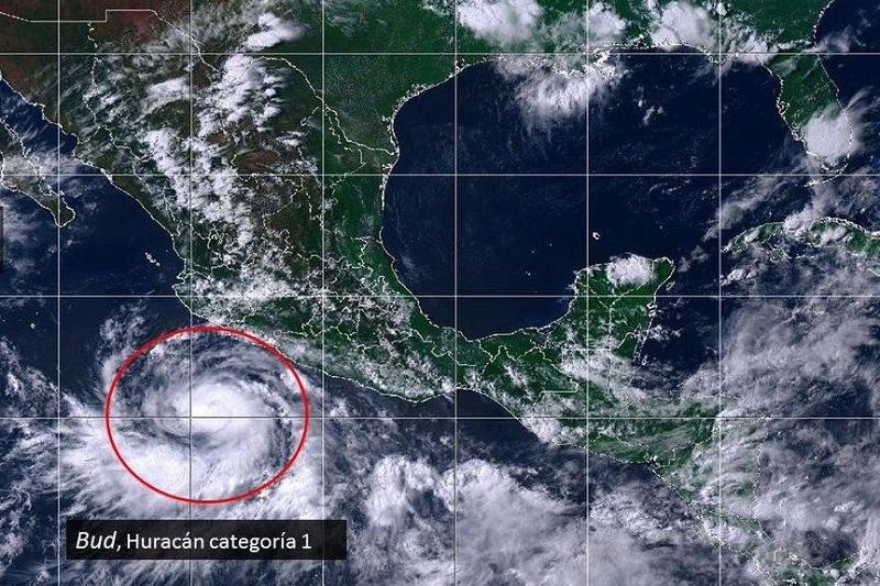 Debido a la presencia de nubosidad densa se prevén que estas tormentas estén acompañadas con actividad eléctrica, con rachas de viento de 50 a 70 kilómetros por horas y oleaje elevado de tres a cuatro metros en este litoral