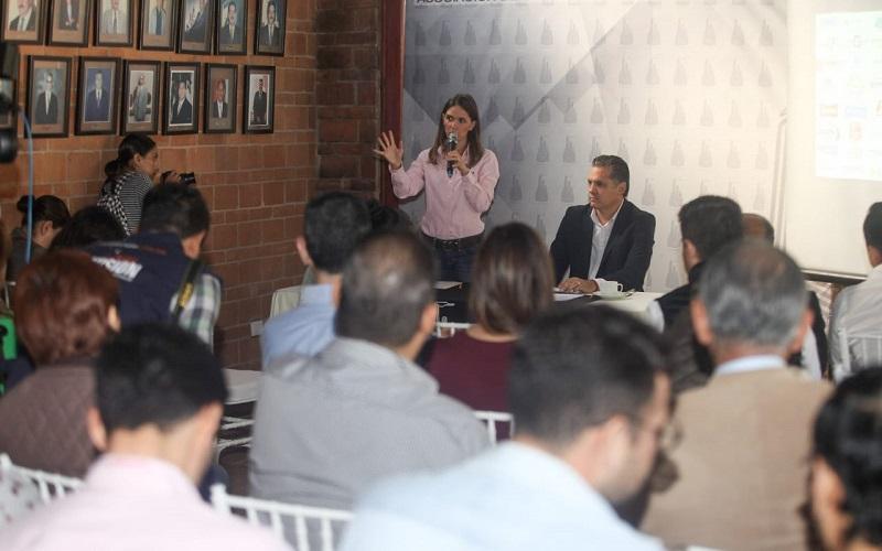 Industriales simpatizan con el proyecto que representa una mujer al frente de la administración pública municipal: Daniela de los Santos
