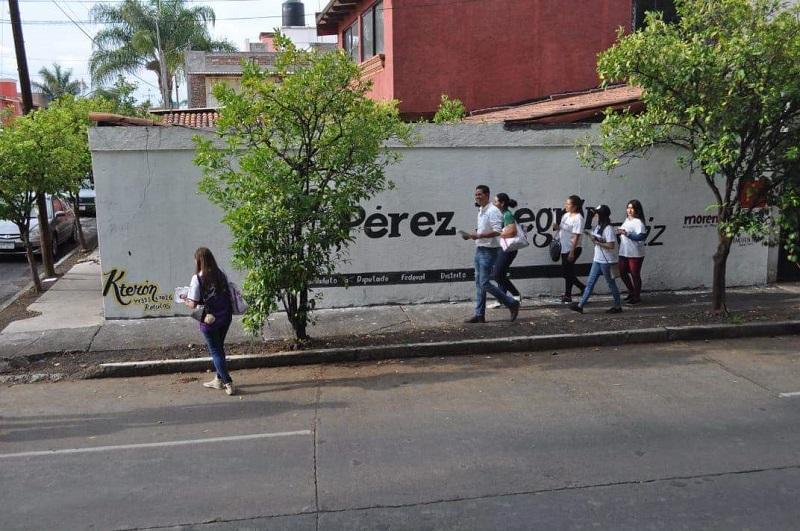 Iván Pérez Negrón sigue en los recorridos por las colonias, en esta ocasión fueron, Infonavit Camelinas, Chapultepec; Del Empleado y la 5 de Diciembre
