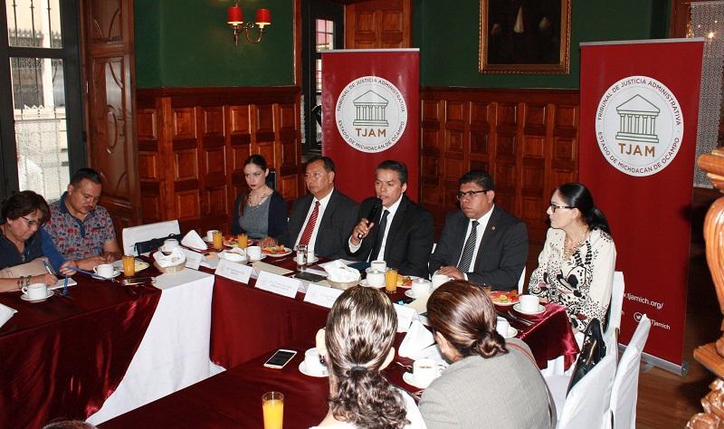 """El registro para el Ciclo de conferencias """"10 años de justicia Administrativa en Michoacán"""" se realiza a través de la página web del TJAM http://www.tjamich.org/"""