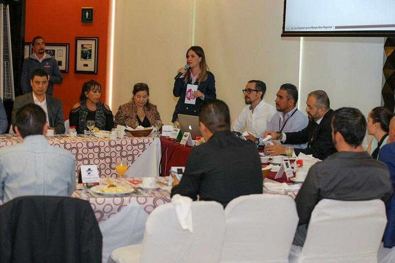 Daniela de los Santos se comprometió con ellos a tener el gobierno más honesto y transparente que haya tenido Morelia
