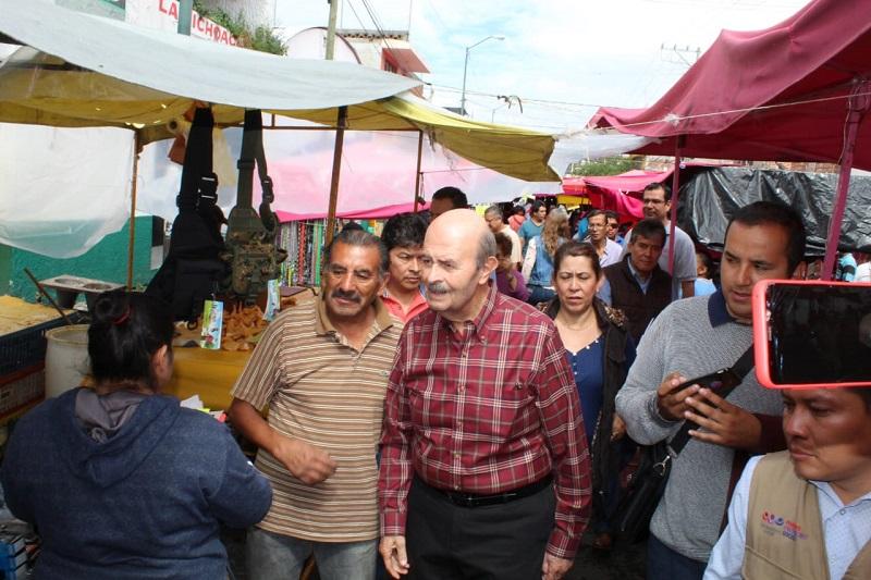 Calles destrozadas e inseguridad las demandas de los oferentes 'sobre ruedas': Fausto Vallejo