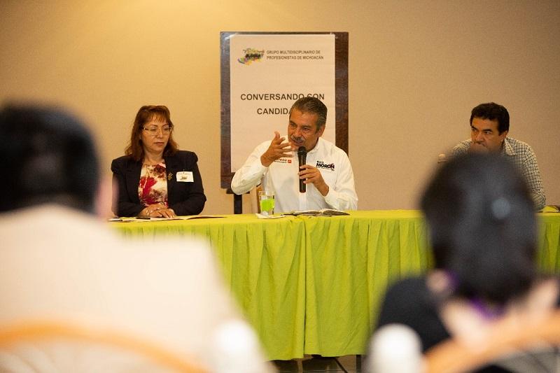 Una de las propuestas encaminadas a lograr el Gobierno Abierto que necesita Morelia, explicó, es crear un foro de diálogo permanente con la sociedad civil