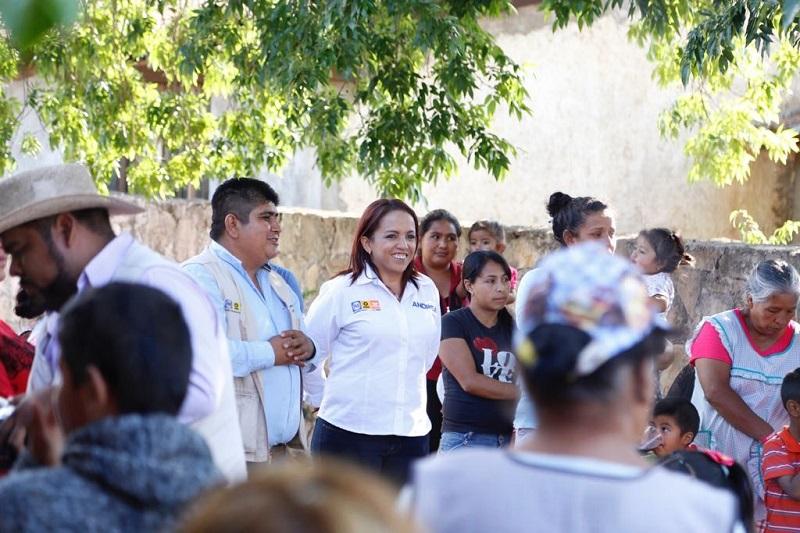 La candidata a diputada del Distrito 17 de Morelia, ha saludado a más de 25 mil morelianos, comprometiéndose a impulsar mejores leyes para el combate de la corrupción