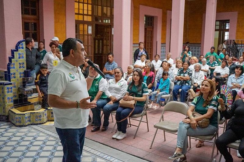 El empresario aprovechó este encuentro con adultos mayores pedirles votar 5 veces verde este 1° de julio y para compartirles que su propuesta de gobierno se construyó con una visión diferente a la de los demás candidatos
