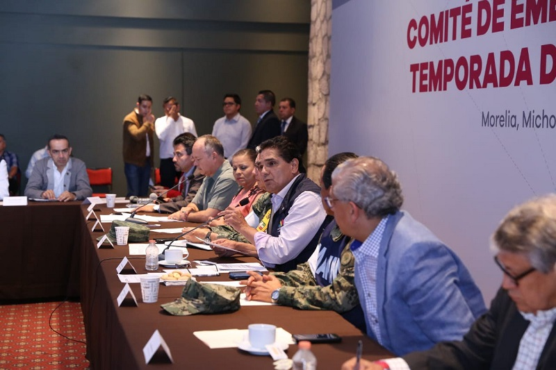 El titular del Ejecutivo Estatal hizo un llamado a las autoridades municipales a instalar a la brevedad posible sus Comités similares, a fin de estar en posibilidades de dar respuesta ante los efectos de cualquier fenómeno meteorológico