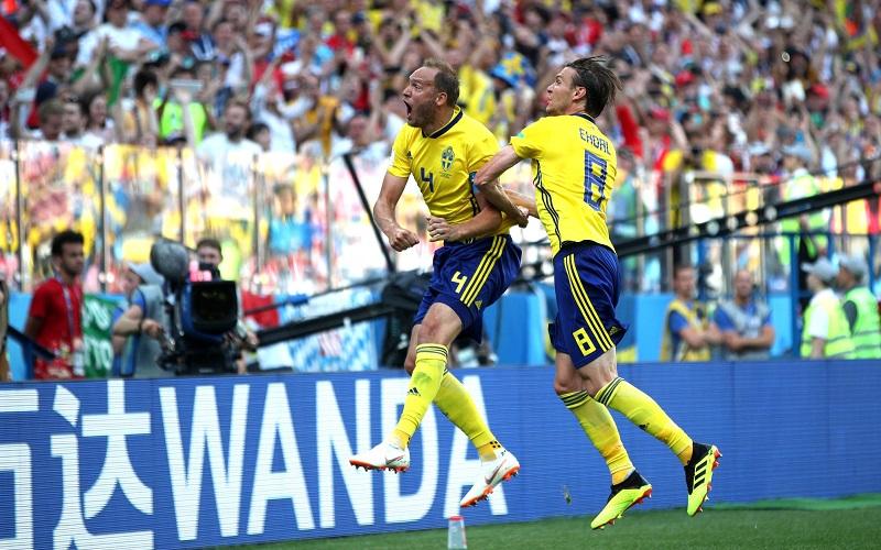 El capitán, Granqvist, fue el encargado de lanzar desde los once metros y poner el 1-0 en el marcador tras engañar a Jo Hyun-woo