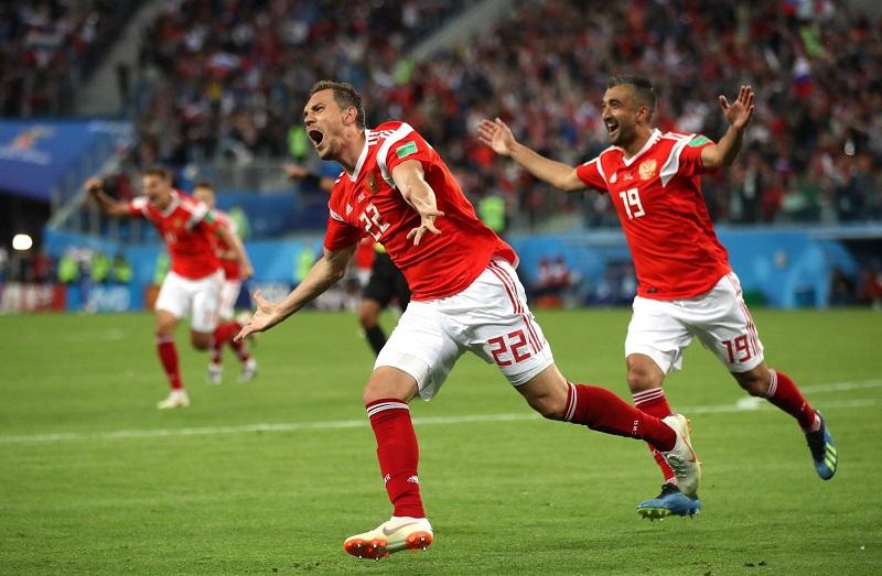 Los de Stanislav Cherchesov siguen de fiesta, llevan ocho tantos en dos partidos de su Mundial, lo que es un récord para una anfitriona desde Italia 1934, y cuentan con dos futbolistas de dulce: Denis Cheryshev y Artem Dzyuba
