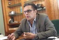Para él, es un engaño que se hable como un logro de que se han ejecutado más de mil obras públicas en esta administración, cuando haciendo una revisión histórica, sólo en 2010, durante la gestión de Fausto Vallejo se ejecutaron 950 obras públicas en un solo año (FOTO: SEBASTIÁN CASIMIRO)
