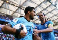 En su partido cien con La Celeste, Al Owais le regaló a Luis Suárez su primer gol en el Mundial. Su grotesca salida por los aires permitió al ariete espantar los fantasmas que le perseguían.
