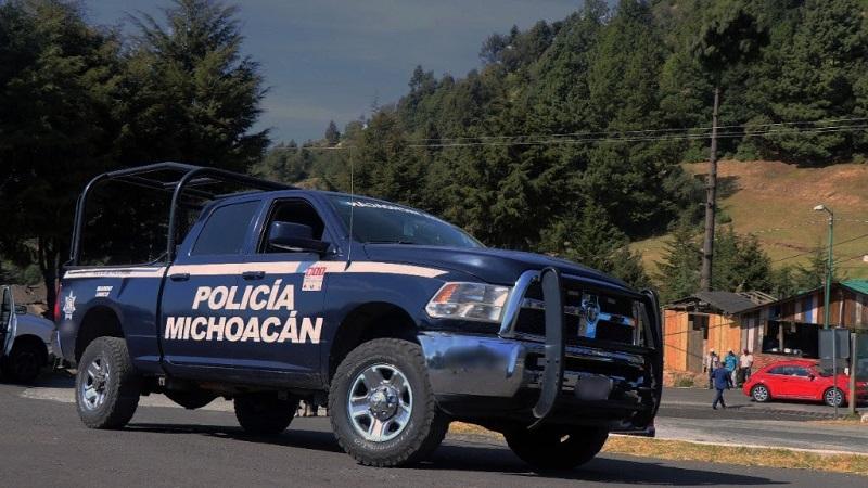 Los elementos de la Policía Michoacán ya realizan patrullajes, recorridos pie tierra en avenidas, calles e instalan filtros de revisión en las salidas de esta demarcación y comunidades vecinas