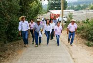 A sus 35 años de edad, Daniela de los Santos lleva once años de su vida construyendo una carrera política, acumulando experiencia y haciendo recorridos por las colonias, tenencias y comunidades morelianas