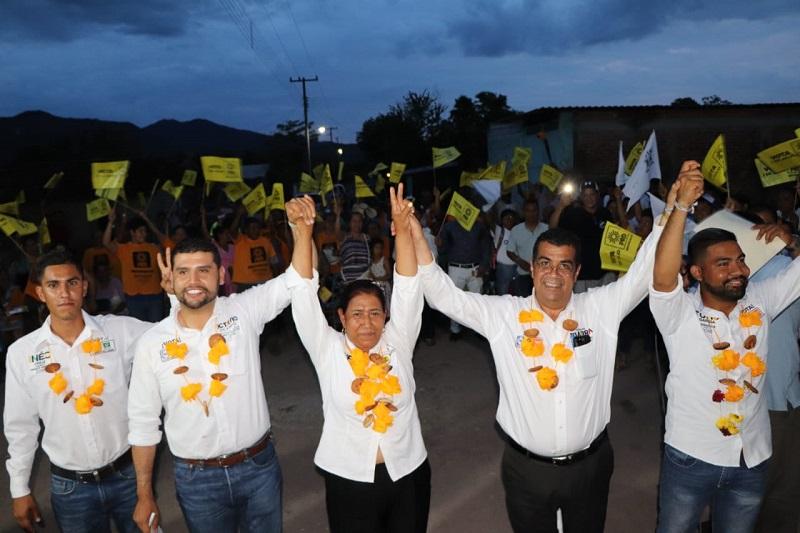 Es el momento de poner un alto a los excesos del poder, aseveró Elías Ibarra en Zitácuaro