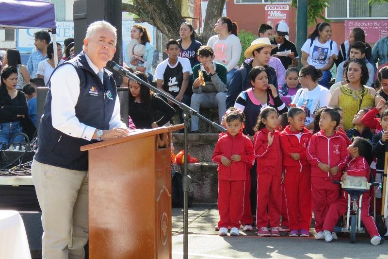 Al término del evento protocolario, se realizó un desfile encabezado por las autoridades presentes, alumnado de diferentes escuelas y habitantes de la tenencia